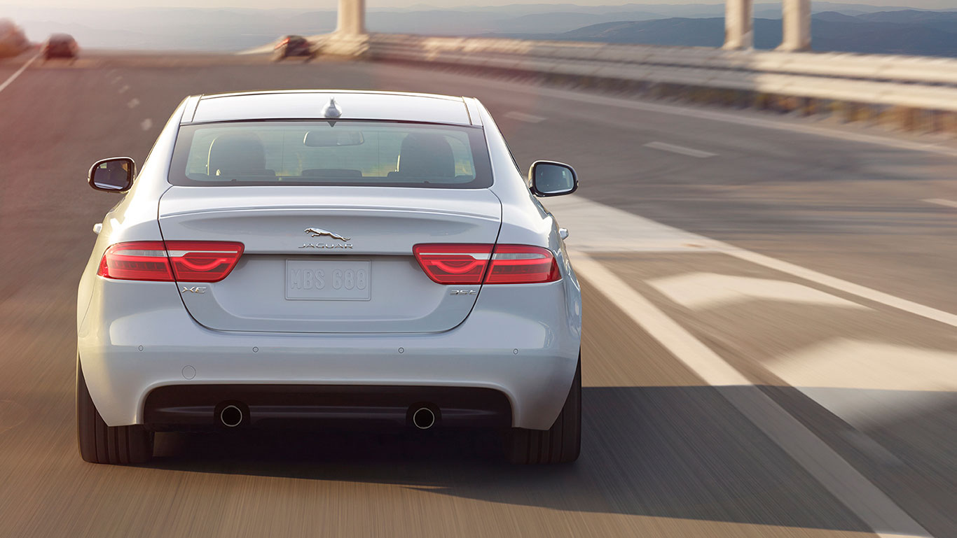 2017 Jaguar XE Specs