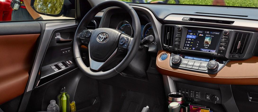 2018 Toyota RAV4 Hybrid 9
