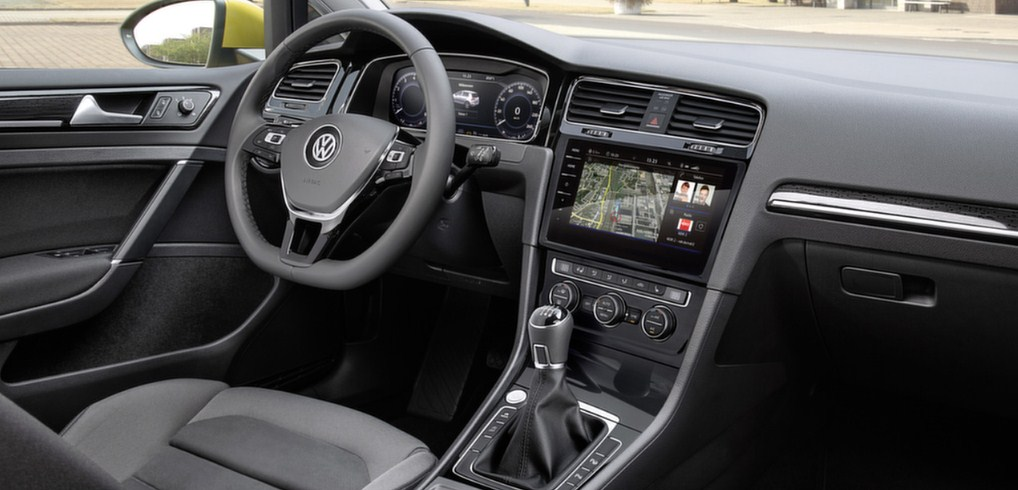 2017 VW Golf 7 interior