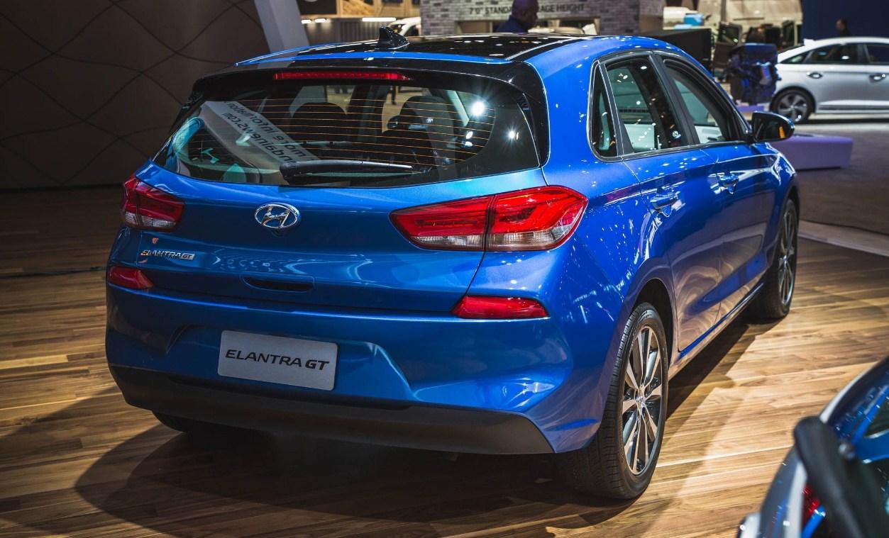 2018 Hyundai Elantra GT 3
