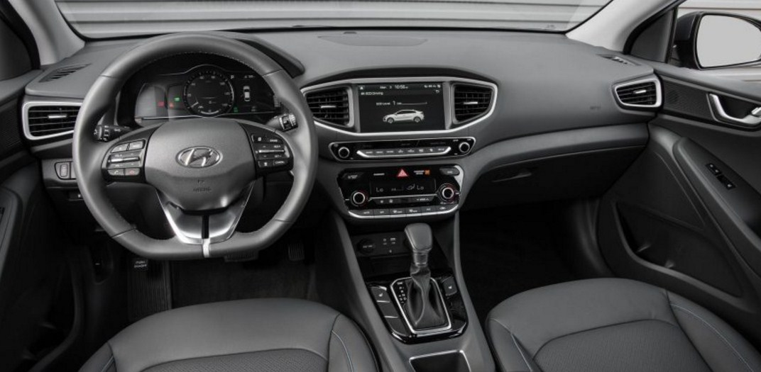 2018 Hyundai Ioniq 13