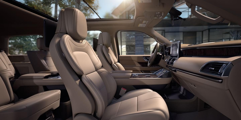 2018 Lincoln Navigator Interior 3