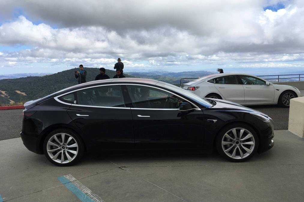 2018 Tesla Model 3 2