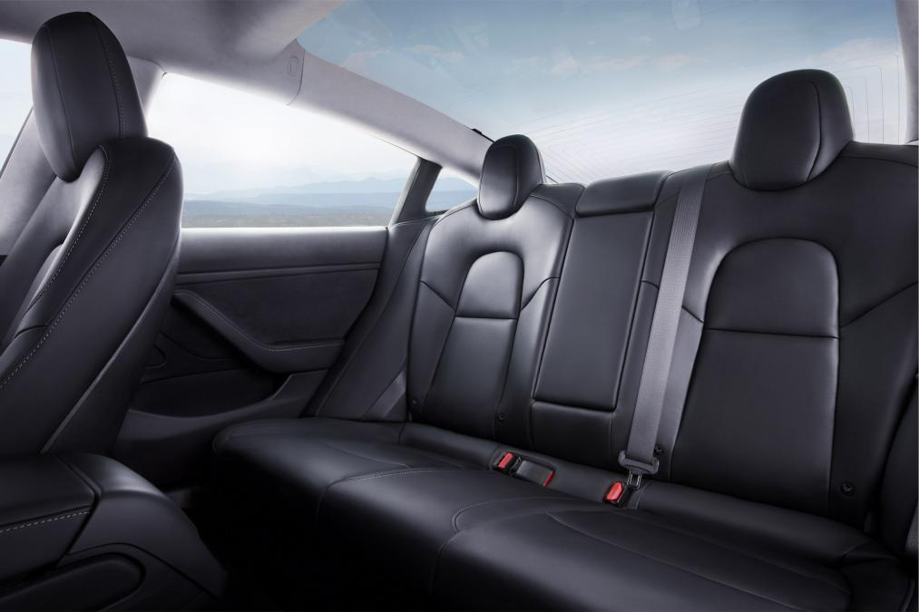 2018 Tesla Model 3 seat