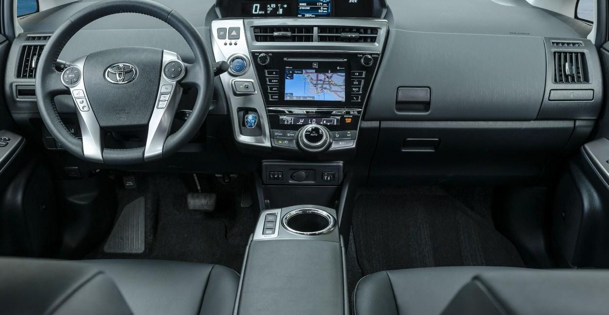 2018 Toyota Prius V interior