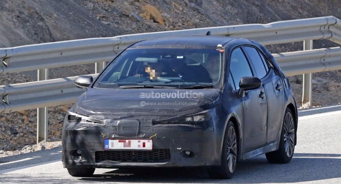 2019 Toyota Corolla hatchback 1