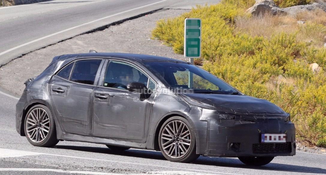 2019 Toyota Corolla hatchback 4
