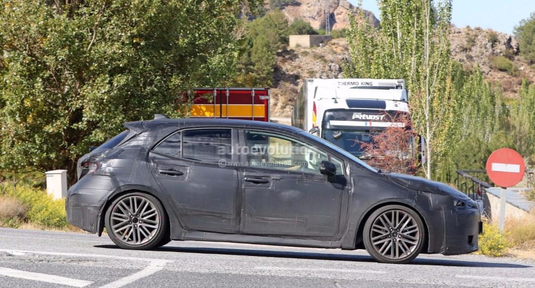 2019 Toyota Corolla hatchback 5