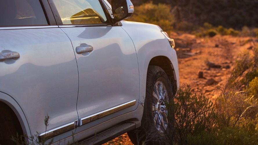 2019 Toyota Land Cruiser 2