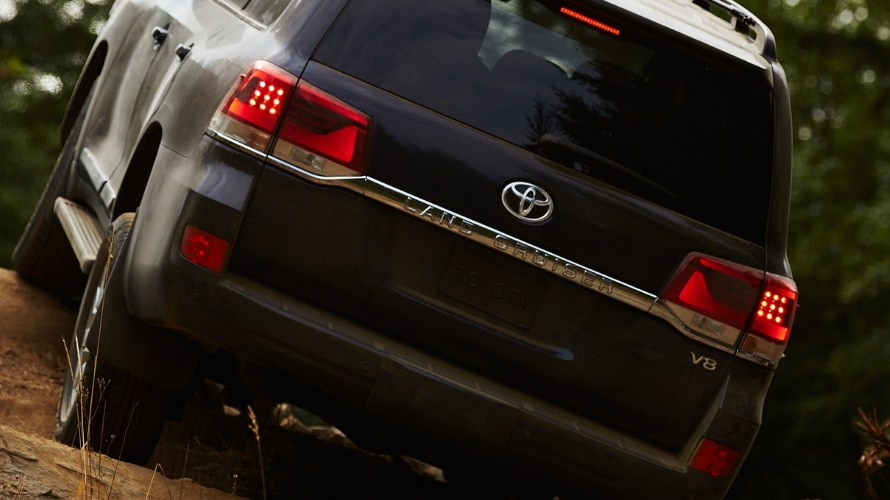 2019 Toyota Land Cruiser 9