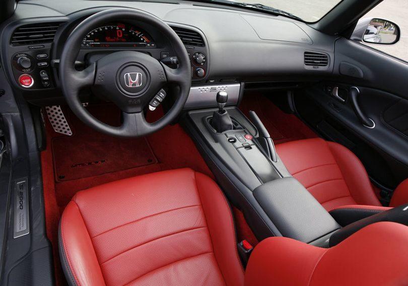 2008 Honda S2000 interior 810x568