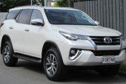 2015 Toyota Fortuner 250x166