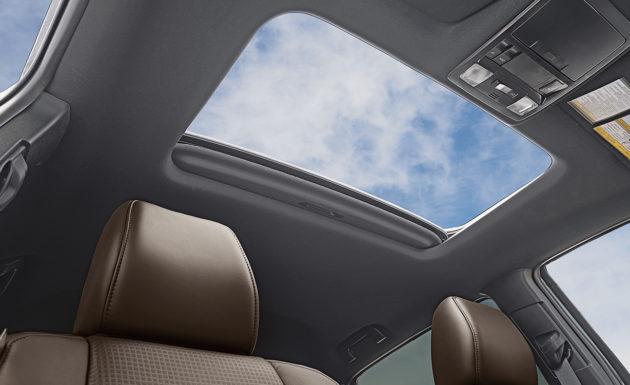 2016 Toyota Tacoma Inteiror Roof 630x385