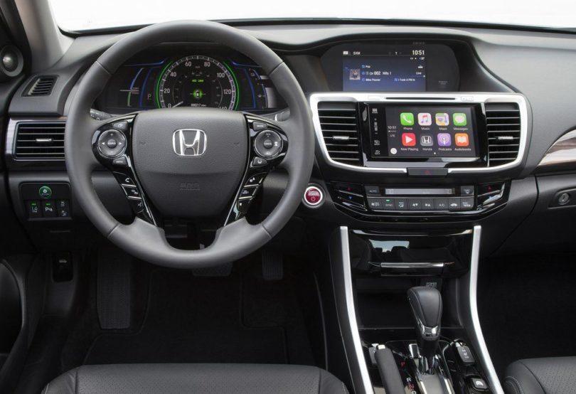 2017 Honda Accord Hybrid Interior Front view 810x554