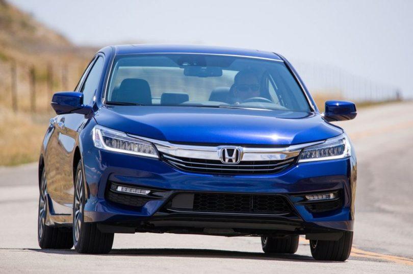 2017 Honda Accord Hybrid front 810x537