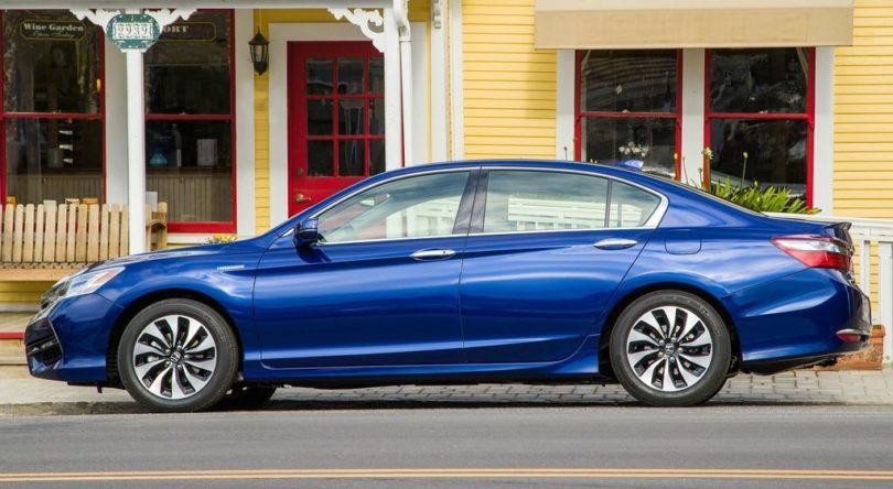2017 Honda Accord Hybrid side view 810x444