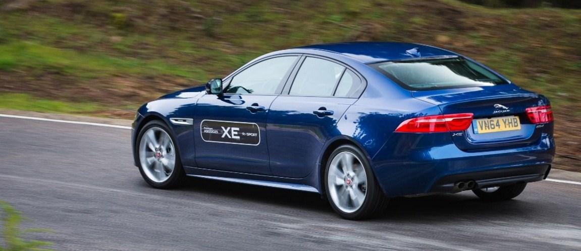 2017 Jaguar XE 4