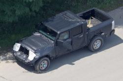 2017 Jeep Wrangler Pickup spy photos2 250x166