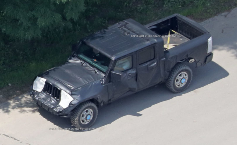 2017 Jeep Wrangler Pickup spy photos2 810x495