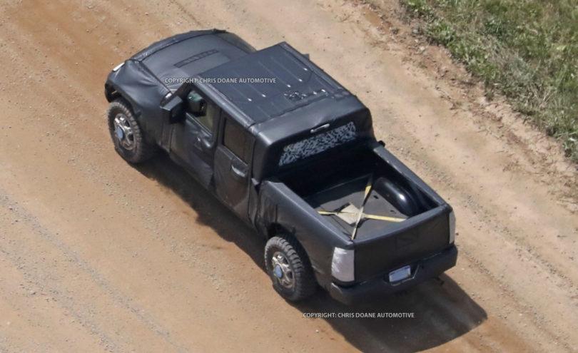 2017 Jeep Wrangler Pickup spy photos3 810x495