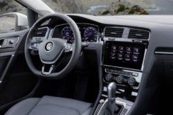 2017 Volkswagen Golf 7 Interior 250x166