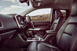 2018 Chevrolet Colorado interior 250x166