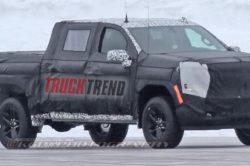 2018 Chevrolet Silverado spy photo 1 250x166