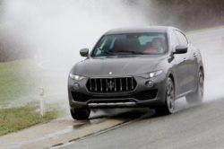 2018 Maserati Levante 3 250x166