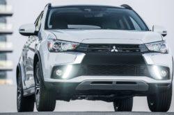 2018 Mitsubishi Outlander 3 1 250x166