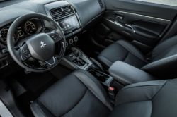 2018 Mitsubishi Outlander Interior 250x166