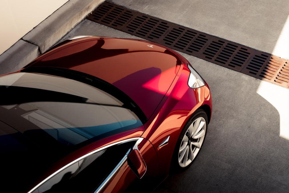2018 Tesla Model 3 Red