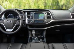 2018 Toyota Highlander interior 250x166