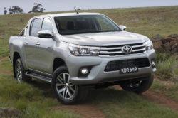 2018 Toyota Hilux 3 250x166