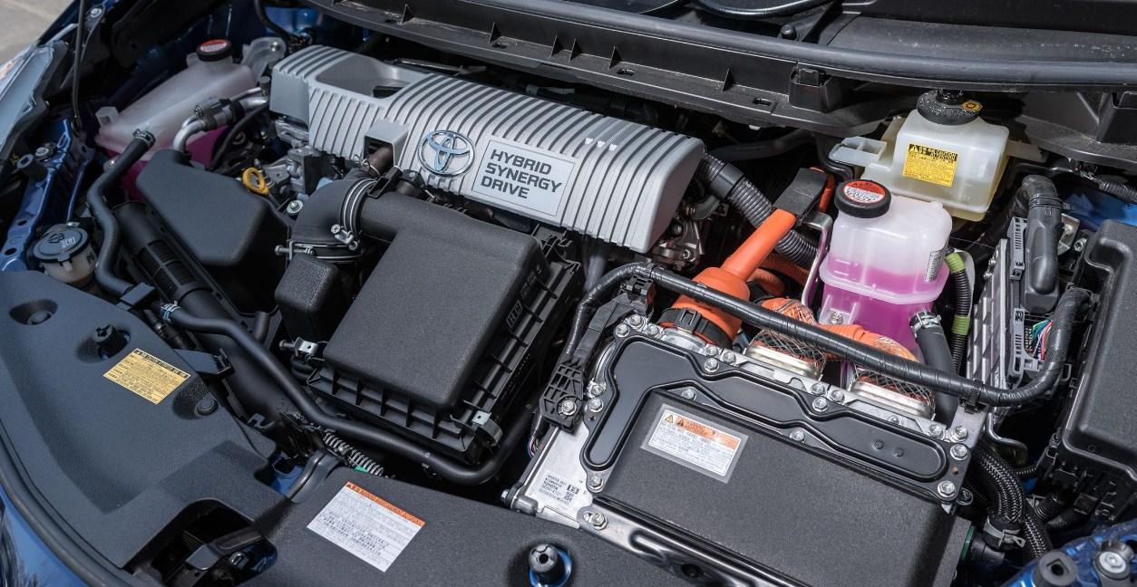2018 Toyota Prius V engine