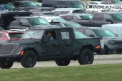 2019 Jeep Scrambler 3 250x166