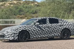 2019 Lexus ES 4 250x166