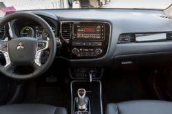 2019 Mitsubishi Outlander interior 250x166