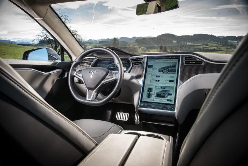tesla model s interior 1 810x541